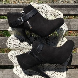 """Black Buckled 4.5"""" Ankle Booties by Fergie"""